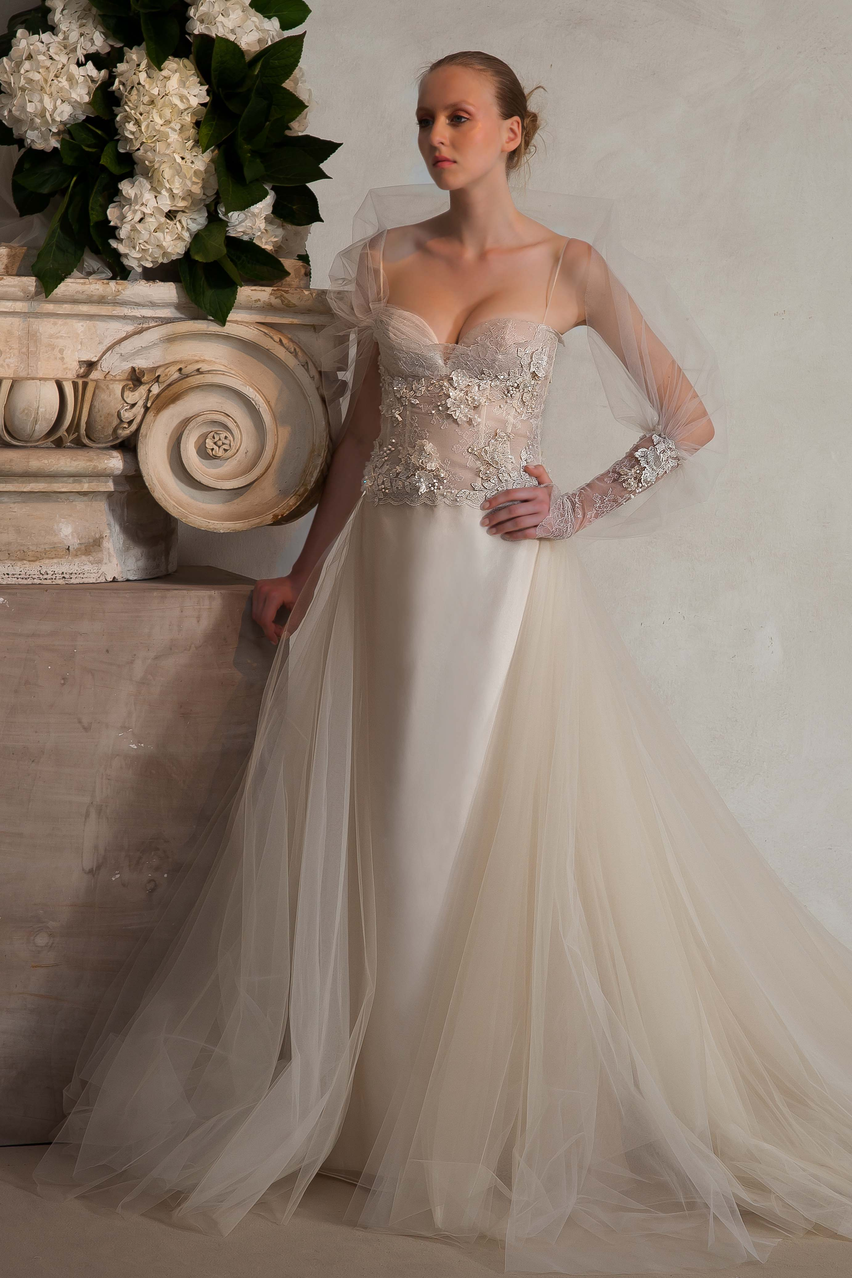26bd0376a932 Discover Fabrics  Tulle